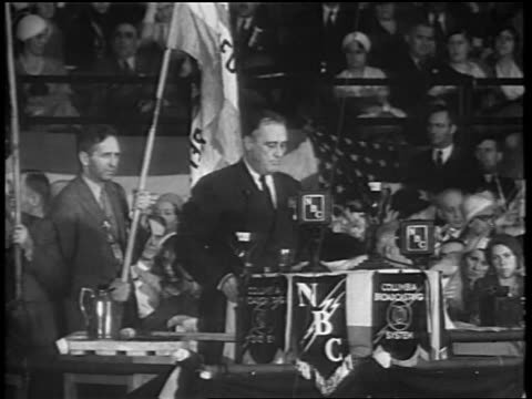 franklin d roosevelt giving speech at podium at democratic convention / chicago - 1932 stock-videos und b-roll-filmmaterial