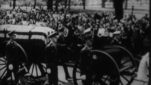 franklin d roosevelt's funeral procession on pennsylvania avenue / washington d - pennsylvania avenue stock videos & royalty-free footage