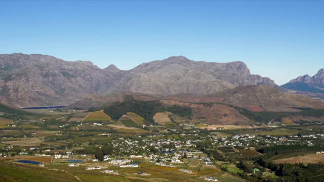 ws pan ha franschhoek and berg river valley from franschhoek pass / franschhoek/ western cape/ south africa - franschhoek stock videos and b-roll footage