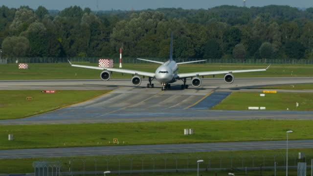 stockvideo's en b-roll-footage met franz josef strauss airport, munich, upper bavaria, bavaria, germany - münchen vliegveld