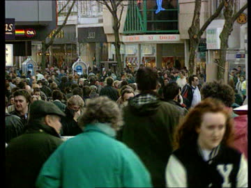 stockvideo's en b-roll-footage met fraud; int tgv shoppers about in busy shopping centre tgv ditto ditto - shopping centre