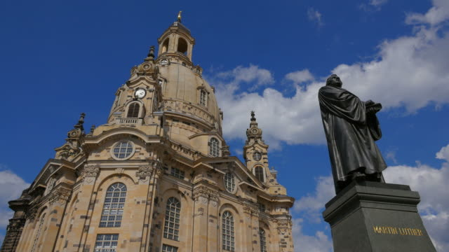 frauenkirche (church of our lady) and luther monument on neumarkt square, dresden, saxony, sachsen germany - sachsen stock-videos und b-roll-filmmaterial
