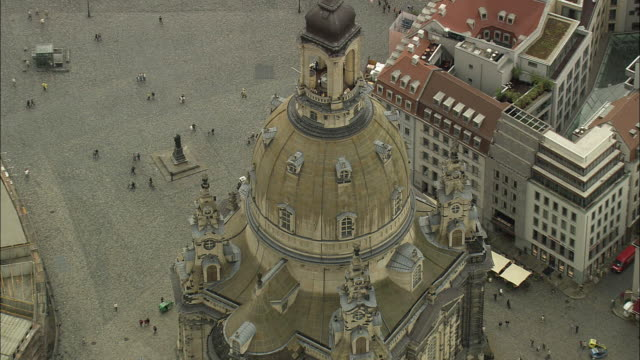 aerial frauenkirche cathedral, dresden, saxony, germany - dresden frauenkirche stock videos & royalty-free footage