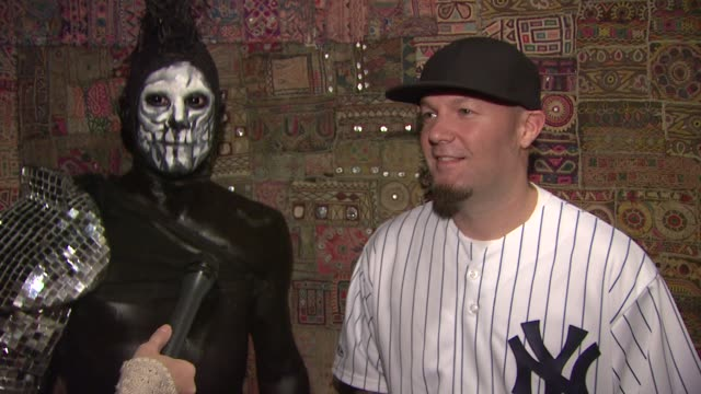 fred durst and wes borland talking about the fans at tonight's show. at the limp bizkit announces first major u.s. tour in more than nine years at... - limp bizkit stock videos & royalty-free footage