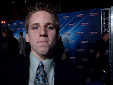 fred medill at the 'die another day' premiere at the shrine auditorium in los angeles, california on november 11, 2002. - 007 ダイ・アナザー・デイ点の映像素材/bロール