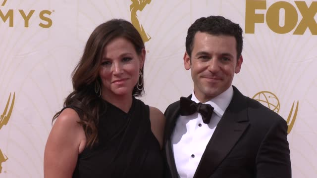 vídeos de stock e filmes b-roll de fred savage at the 67th annual primetime emmy awards at microsoft theater on september 20, 2015 in los angeles, california. - microsoft theater los angeles