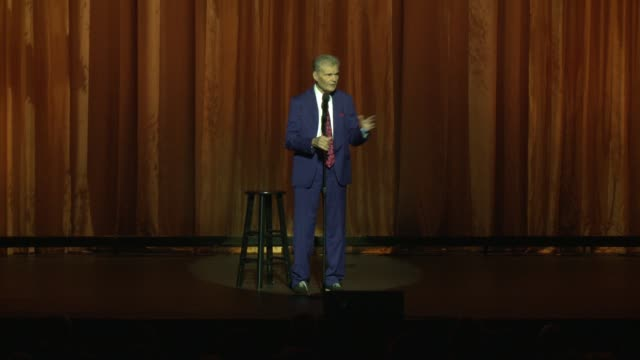 vídeos de stock e filmes b-roll de fred willard at international myeloma foundation's 11th annual comedy celebration benefiting the peter boyle research fund at the wilshire ebell... - wilshire ebell theatre