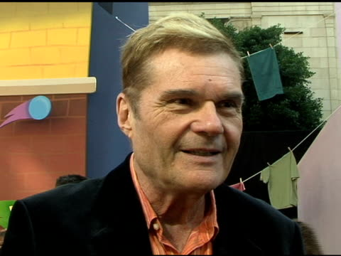 fred willard on his character at the world premiere of disney's 'chicken little' at the el capitan theatre in hollywood, california on october 30,... - el capitan kino stock-videos und b-roll-filmmaterial