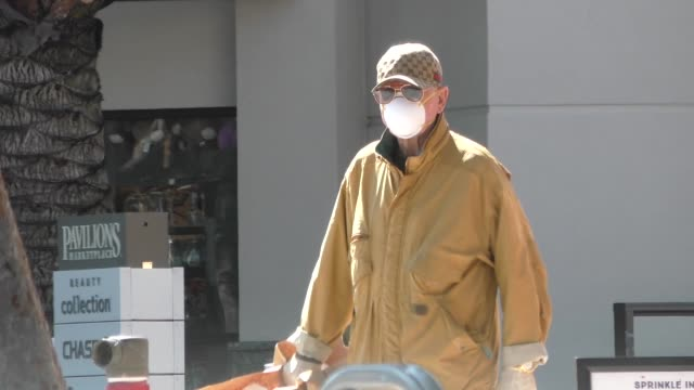 frederic prinz von anhalt wears a protective mask and gloves while shopping in los angeles in celebrity sightings in los angeles - medical glove stock videos & royalty-free footage