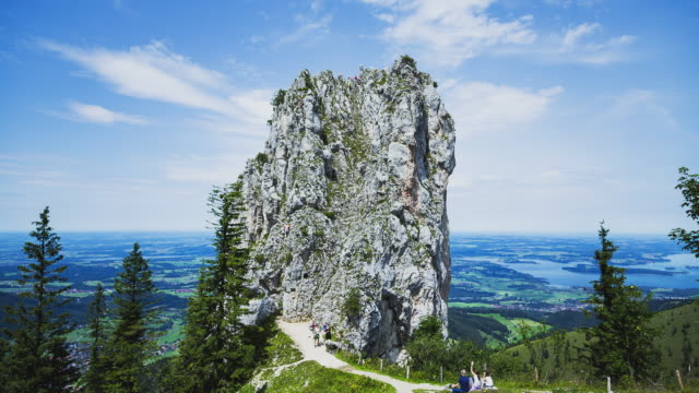 t/l free climbers at mount kampenwand - free climbing stock-videos und b-roll-filmmaterial