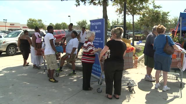free laundry services for hurricane isaac victims on september 05 2012 in new orleans louisiana - laundry detergent stock videos and b-roll footage