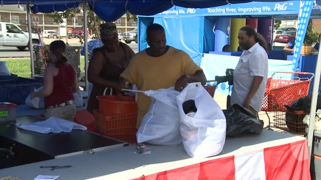 free laundry services help hurricane isaac victims on september 05 2012 in new orleans louisiana - hamper stock videos & royalty-free footage