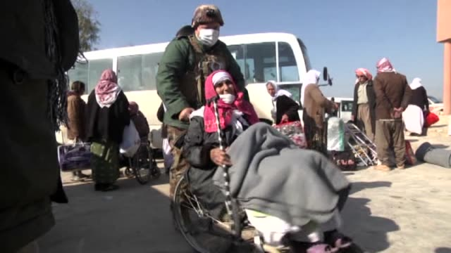 freed yezidis are being transferred to dohuk refugee camps after the health check process on january 18 2015 in kirkuk iraq 198 yezidis who were... - ninawa stock videos & royalty-free footage