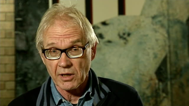 freedom of speech event shooting in copenhagen t08011557 / tx ext lars vilks interview sot - regione dell'oresund video stock e b–roll