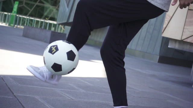 freestyle football - juggling stock videos & royalty-free footage