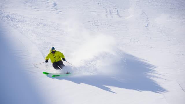 vidéos et rushes de ski de poudreuse - paysage extrême