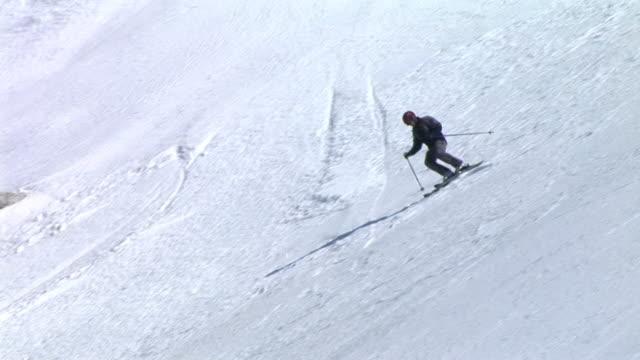 hd: freestyle skiing - freestyleskidåkning bildbanksvideor och videomaterial från bakom kulisserna