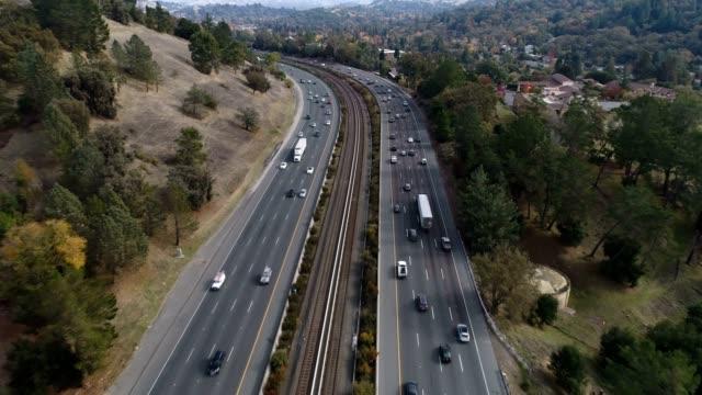freeway 空から見たホテル - 高速道路点の映像素材/bロール