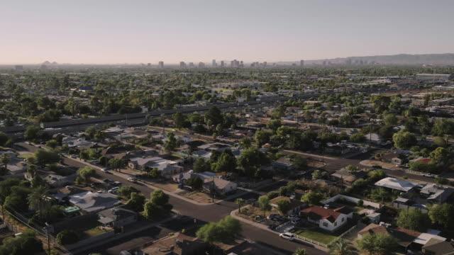 freeway in residential neighborhod - phoenix arizona stock-videos und b-roll-filmmaterial
