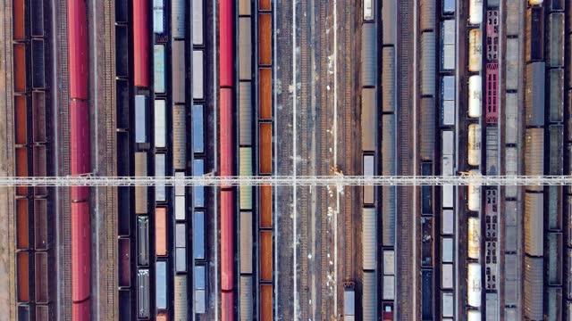 vídeos y material grabado en eventos de stock de vista aérea de transporte de carga - estación edificio de transporte