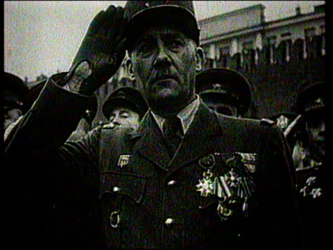 vidéos et rushes de french army officer and statesman de gaulle attending military parade in moscow - 1945