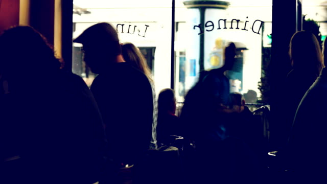 stockvideo's en b-roll-footage met hd - franse cafe san francisco timelapse - franse cultuur