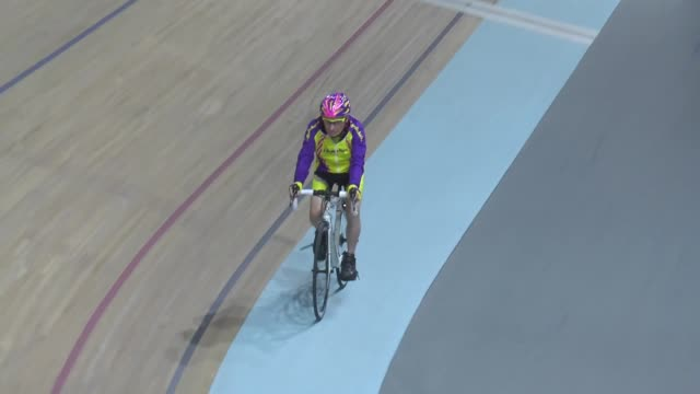 vídeos de stock, filmes e b-roll de french cyclist robert marchand sets a one-hour track cycling world record in the 105+ age category by riding 22.547km during his latest attempt, at... - new age