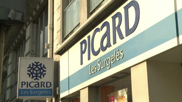 french frozen food retailer picard has pulled frozen lasagna off its shelves after some were found to contain horsemeat clean french frozen food... - lasagna stock videos & royalty-free footage