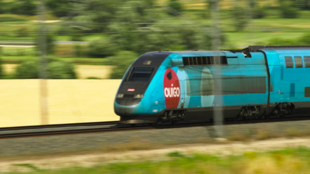 vidéos et rushes de french high speed tgv ouigo train close up, meuse department, lorraine, grand est, france - train