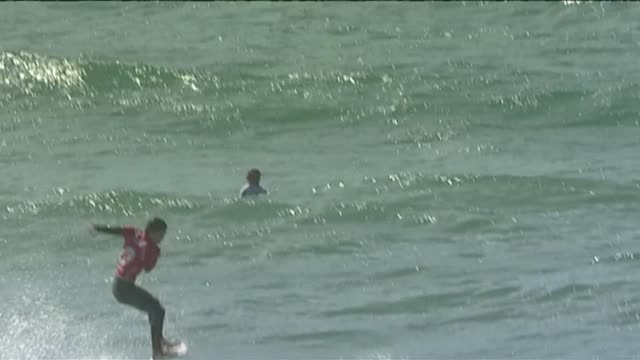 french hopefuls for the surfing world cup have been taking to the water in lacanau over the weekend with a revamped scoring system they say will... - gironde stock videos and b-roll footage