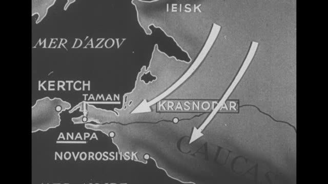 [French language VO throughout ] Animated map with arrows pointing to places in Southern Russia including Ieisk Krasnodar Novorossiysk Anapa Kertch...