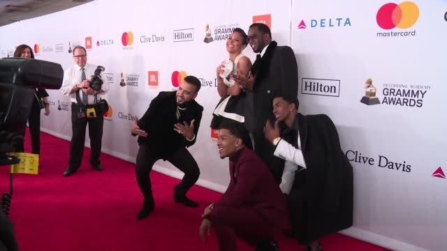 vídeos de stock e filmes b-roll de french montana cassie ventura sean combs christian combs and justin dior combs at clive davis pregrammy gala at sheraton times square on january 27... - sean combs