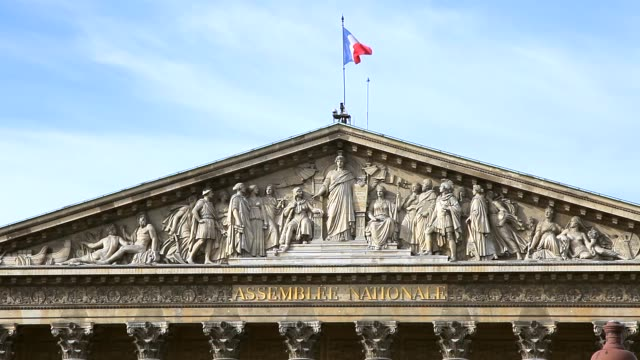french national assembly building front view - french national assembly stock-videos und b-roll-filmmaterial
