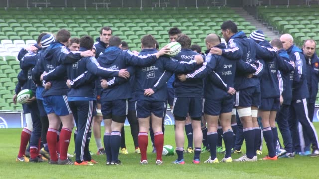 french national rugby team trains in dublins aviva stadium ahead of tomorrows six nations match against ireland. clean : french rugby team trains in... - match sport stock videos & royalty-free footage