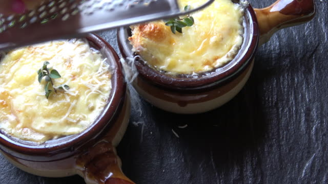 french onion soup bowl - parmesan stock videos & royalty-free footage