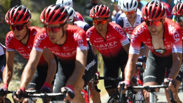 french police detained two people on monday as part of an investigation into suspected doping at this year's tour de france in the arkea-samsic team,... - tour de france stock-videos und b-roll-filmmaterial