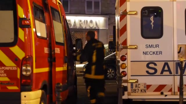 stockvideo's en b-roll-footage met french police work at the scene outside the stade de france after deadly shootings and explosions took place in several neighbourhoods of paris on... - agressie