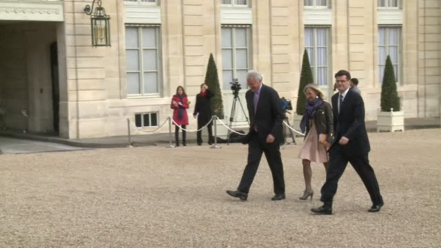 french president hollande meets with the ceo of general electric to discuss options on the companys bid to acquire french engineering group alstom - general electric stock videos and b-roll footage