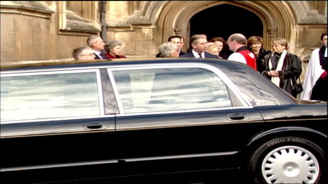 french president jacques chirac's state visit to britain: day two; england: berkshire: windsor castle: st george's chapel: ext french president... - tomb stock videos & royalty-free footage
