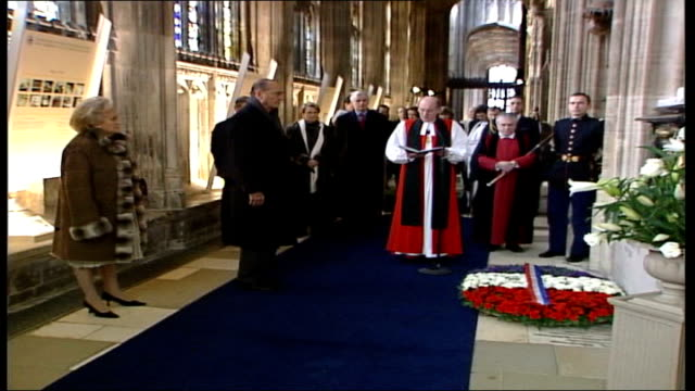 french president jacques chirac's state visit to britain: day two; england: berkshire: windsor castle: st george's chapel: int tomb of king edward... - tomb stock videos & royalty-free footage