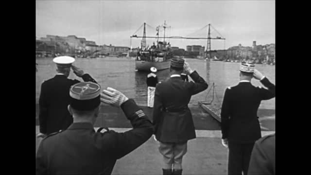 vidéos et rushes de french troops leaving for africa after the defeat in battle of france - battle