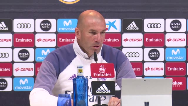 Frenchfootball star and Real Madrid coach Zinedine Zidane called Friday on his countrymen to do their utmost to avoid voting far right presidential...