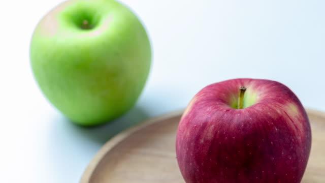 新鮮なリンゴをクローズ アップ - レッドデリシャス点の映像素材/bロール