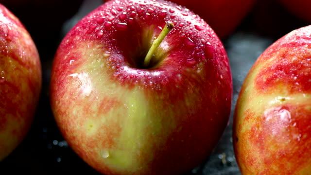 vídeos y material grabado en eventos de stock de nuevo apple primer plano - antioxidante