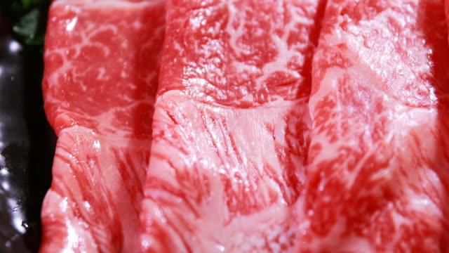 vídeos de stock e filmes b-roll de fresh beef meat already for grill - formato bruto