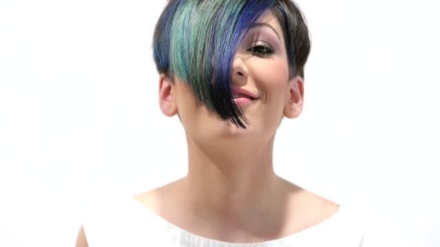 Blue Hair Videos und B-Roll-Filmmaterial |