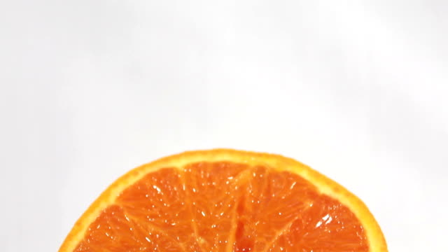 stockvideo's en b-roll-footage met fresh oranges. - sappig
