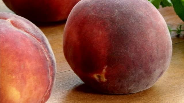 新鮮な peach.duraznos フレスコ画 - モモ点の映像素材/bロール