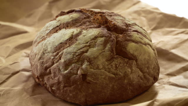 新鮮なライ麦パン - 穀物 ライムギ点の映像素材/bロール