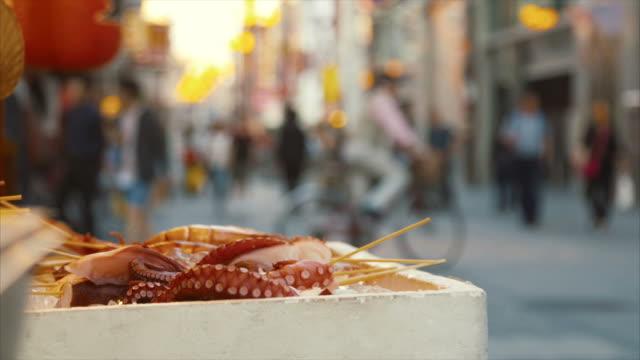 fresh sea food in dotonbori - tentacle sucker stock videos & royalty-free footage